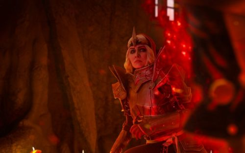 This Dragon Age 2 Cosplay Brings Knight-Commander Meredith Stannard To Life