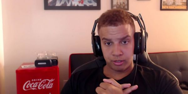 Call of Duty YouTuber Robbed at Gunpoint   Game Rant