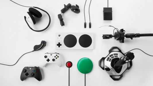 Unlike Sony, Microsoft confirms that 'all' Xbox One controllers will work on Series X
