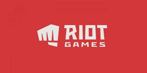 Riot Games Takes Jab at Blizzard in Livestream | Game Rant